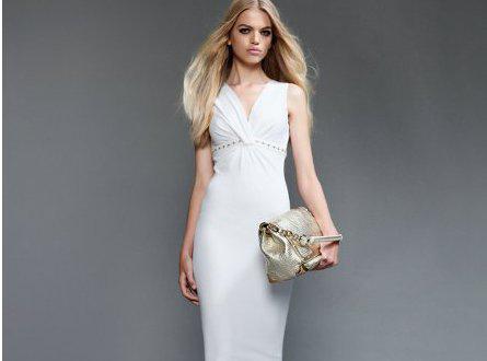 c5cd0d8a2a Τα καλοκαιρινά φορέματα του οίκου Versace