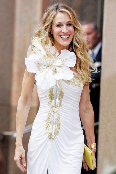 foremata Carrie Bradshaw 5 - Τα φορέματα που ζηλέψαμε από την Carrie Bradshaw