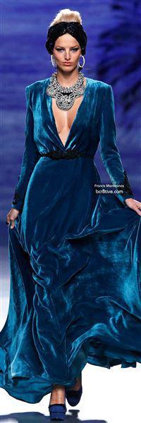 veloudino forema 5 - Τα βελούδινα φορέματα της χρονιάς