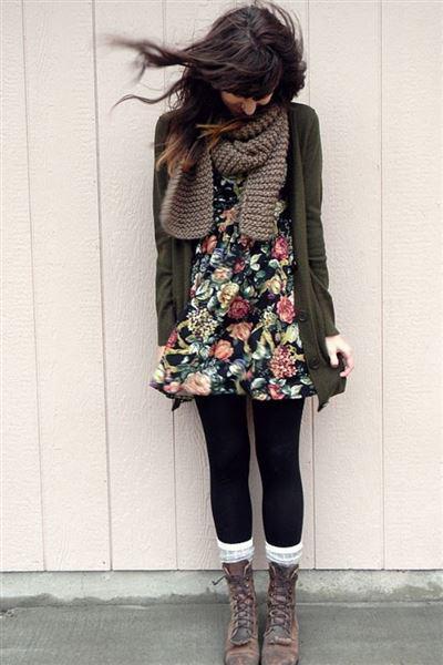 xeimoniatika floral foremata 4 - Πώς να φορέσετε χειμωνιάτικα floral φορέματα