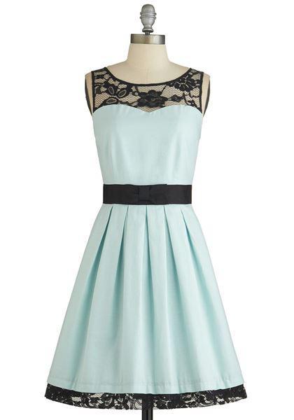 episimo galazio forema 3 - Επίσημα φορέματα σε γαλάζιο
