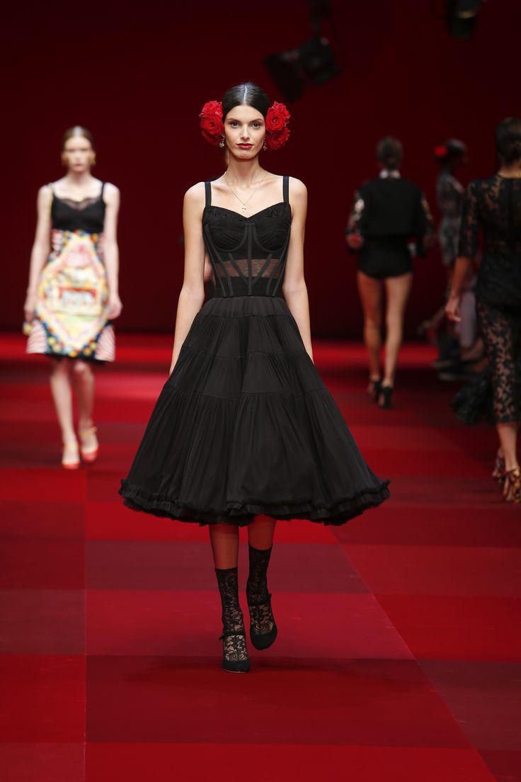 dolce gabbana anoiksi kalokairi 2015 5 - Φορέματα Dolce & Gabbana άνοιξη καλοκαίρι 2015