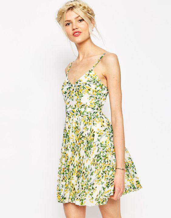5 mini floral foremata gia anemela koritsia 2 - 5 μίνι floral φορέματα για ανέμελα κορίτσια