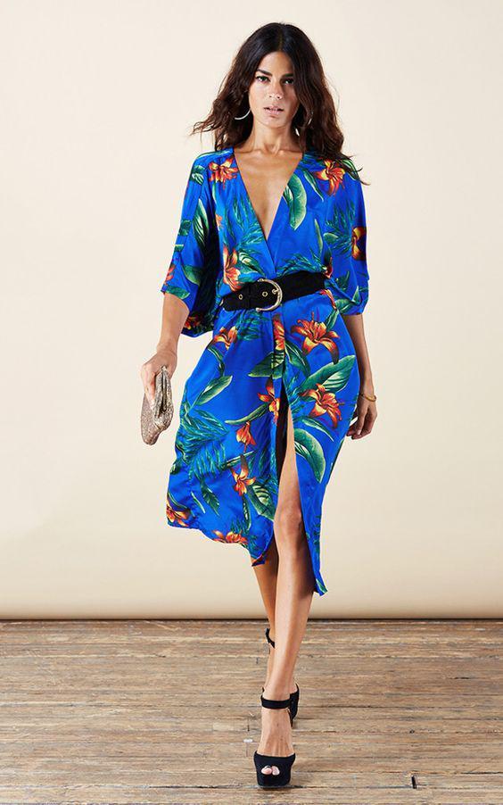 57a2e2a73a7 Πώς να βάλεις στιλάτα ένα φόρεμα σε tropical print