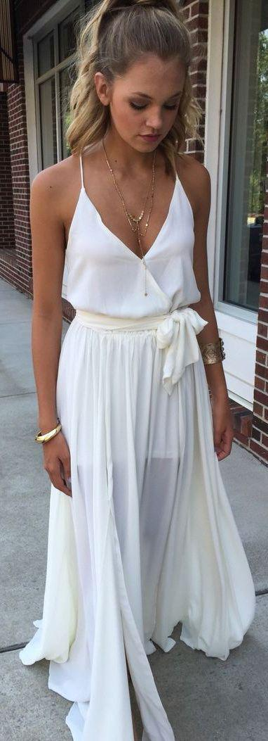 3497b5234a3 White maxi dress #swoonboutique. Ένα σατέν ή σιφόν φόρεμα ...