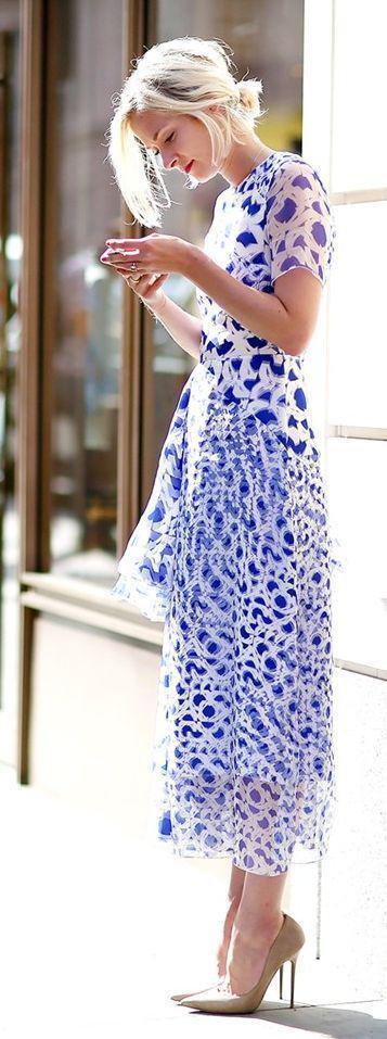 efa59fa1e6c7 5-mple-ilektrik-foremata-gia-to-kalokeri-2. Υπάρχει πάντα και το μπλε  ηλεκτρίκ φόρεμα ...