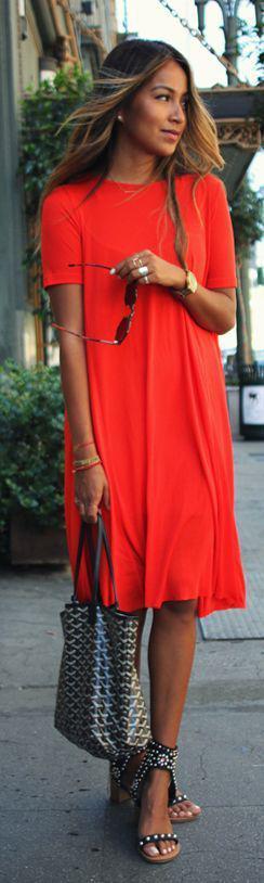 5 kokkina foremata gia tis kalokairines diakopes 3 - 5 κόκκινα φορέματα για τις καλοκαιρινές διακοπές