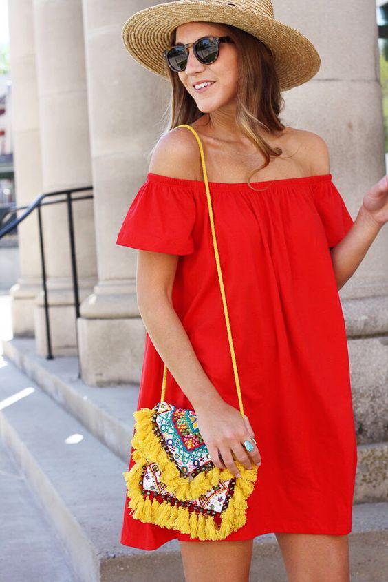 5 kokkina foremata gia tis kalokairines diakopes 4 - 5 κόκκινα φορέματα για τις καλοκαιρινές διακοπές